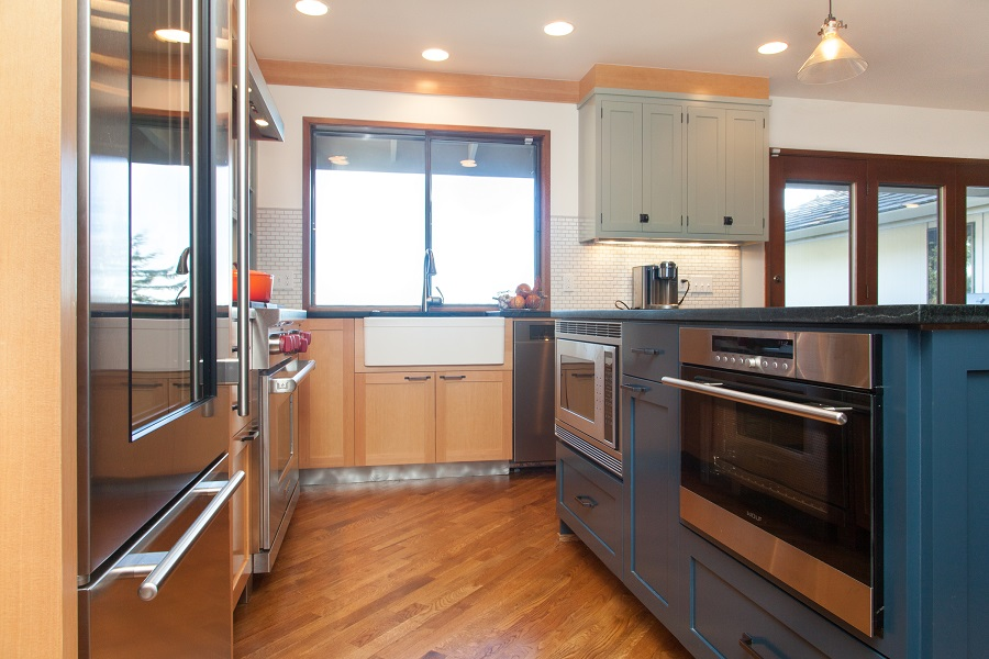 Mid-Centry kitchen after Neil Kelly Design Build Remodel
