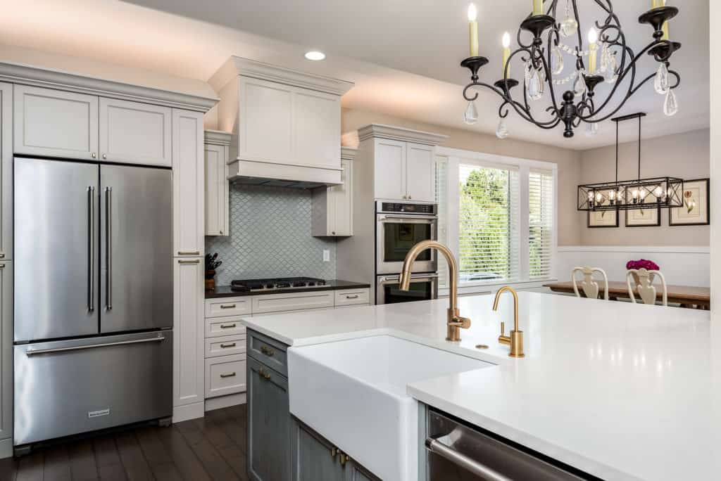 Traditional Kitchen Contemporary Touches